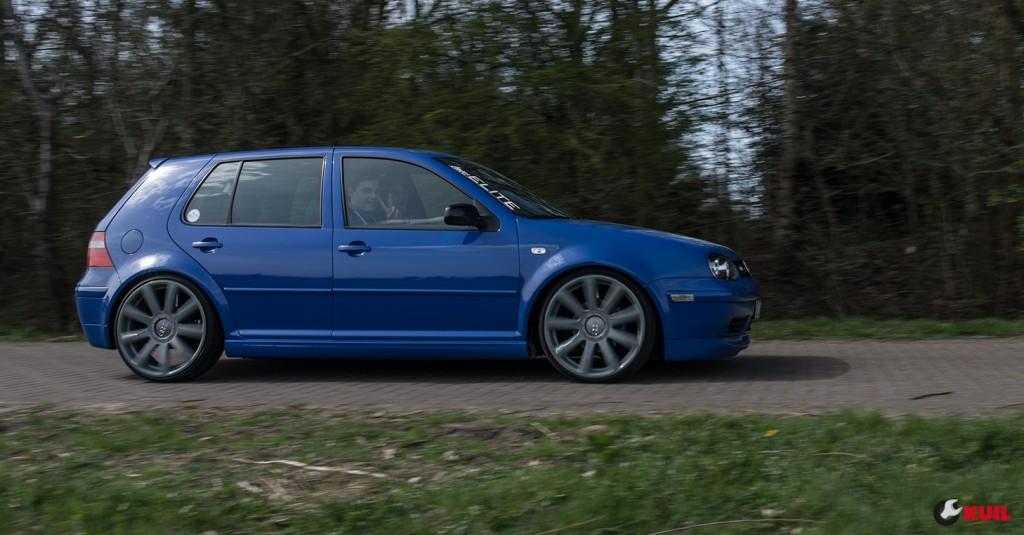 golf-4-blauw