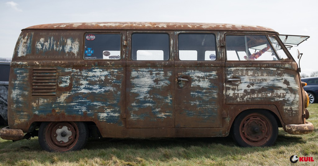 volkswagen-t1-kuil-banden