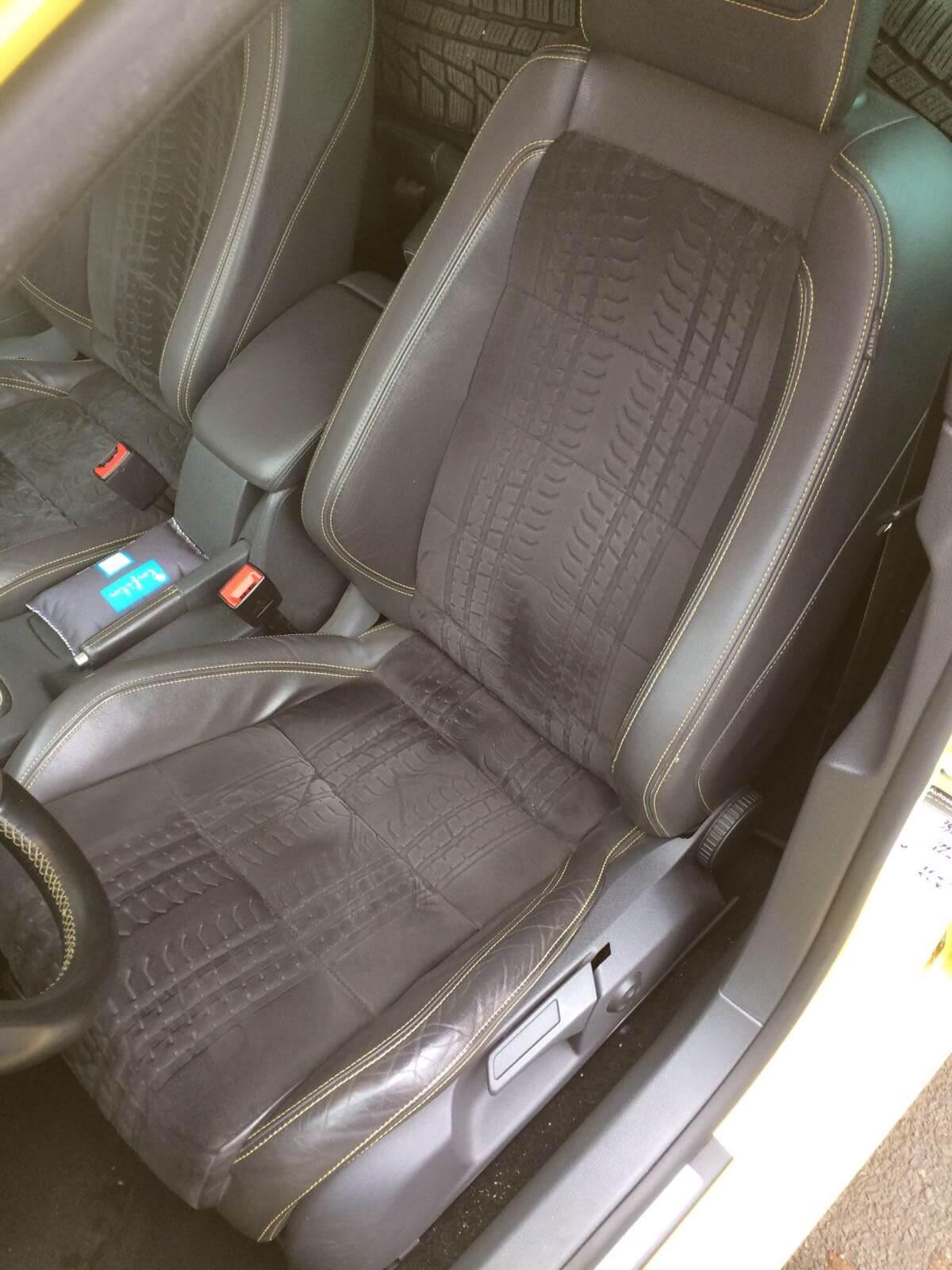 Volkswagen Golf GTI Pirelli interieur